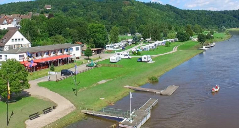 Camping- und Reisemobilstellplatz Weserterrasse, 37647 Polle